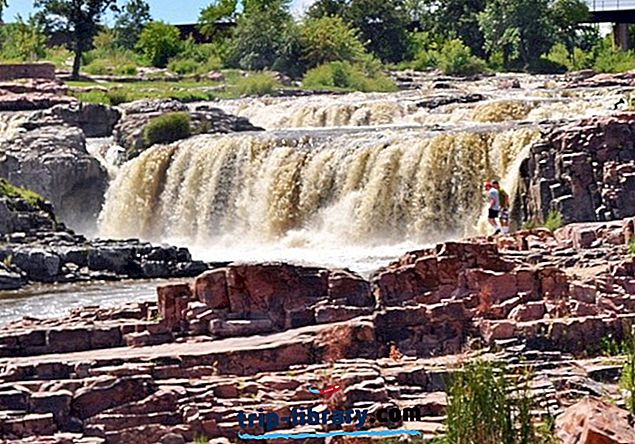 9 Най-популярни атракции и неща за вършене в Sioux Falls, SD